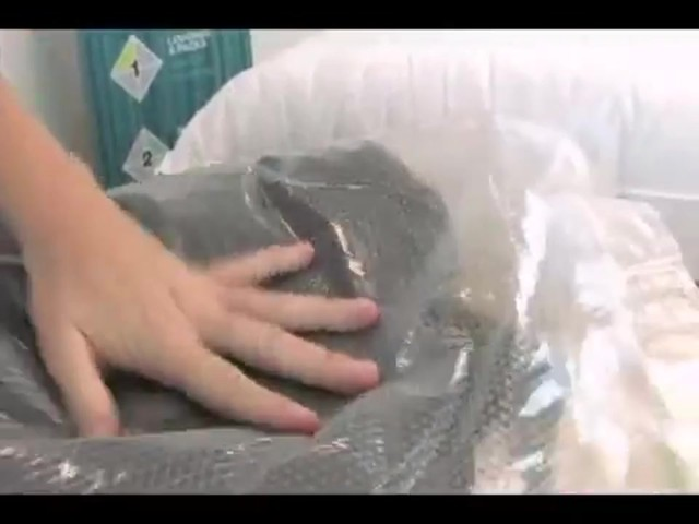 Eagle Creek Pack-It® Compression Set - image 5 from the video