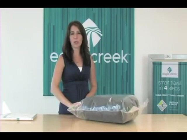 Eagle Creek Pack-It® Compression Set - image 6 from the video
