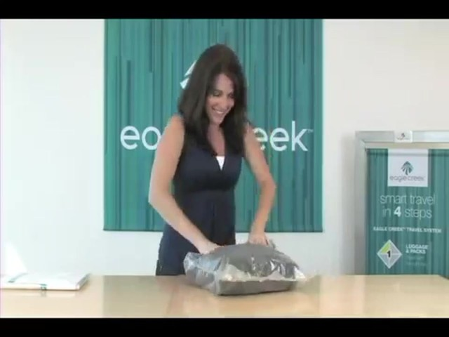 Eagle Creek Pack-It® Compression Set - image 7 from the video