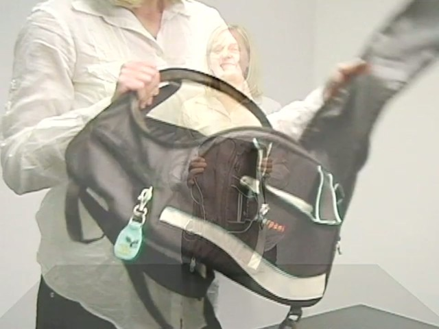 Sherpani Blaze Gym Bag - image 10 from the video
