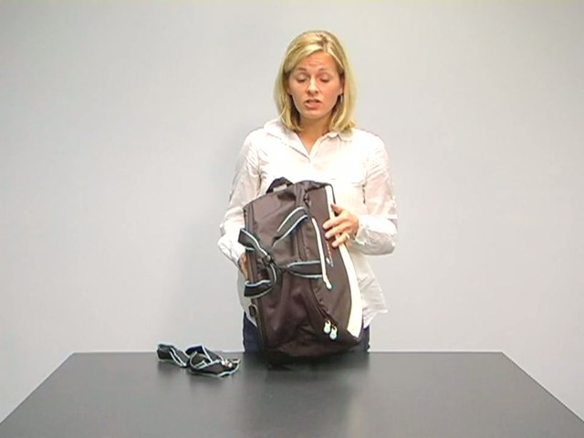 Sherpani Blaze Gym Bag - image 3 from the video