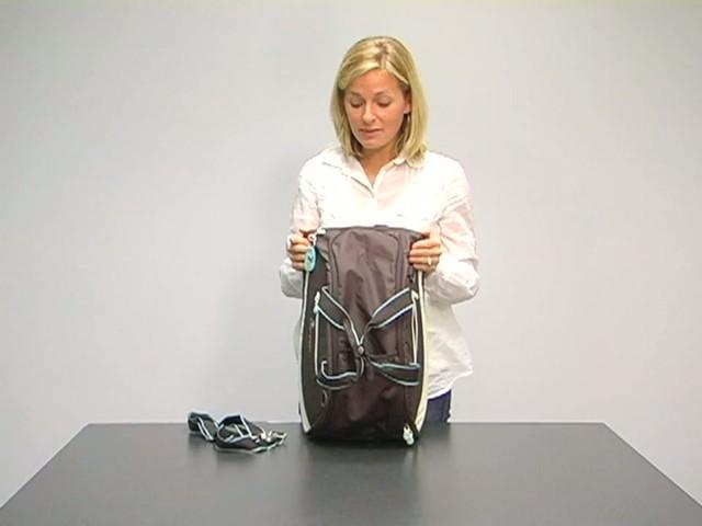 Sherpani Blaze Gym Bag - image 5 from the video