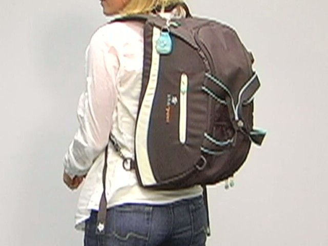 Sherpani Blaze Gym Bag - image 6 from the video