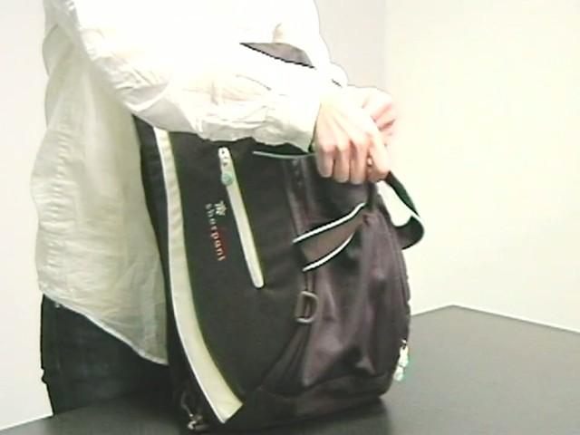 Sherpani Blaze Gym Bag - image 7 from the video