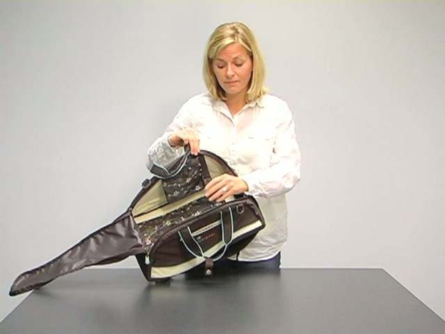 Sherpani Blaze Gym Bag - image 9 from the video
