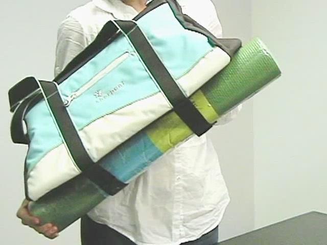 Sherpani Meta 4 Gym Bag - image 3 from the video