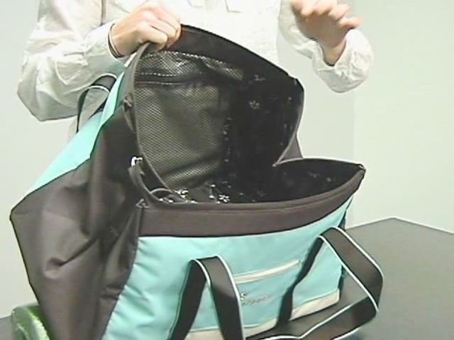 Sherpani Meta 4 Gym Bag - image 6 from the video