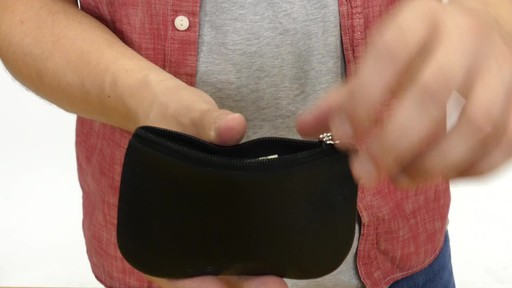 Suvelle Mens Zippered Coin Pouch Change Wallet - image 7 from the video