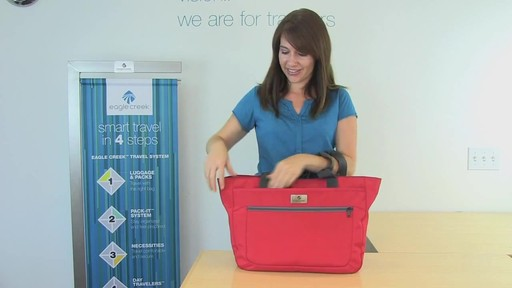 Eagle Creek Travel Gateway Tote - image 4 from the video