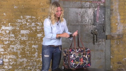 Sakroots Artist Circle Mobile Tote - image 2 from the video