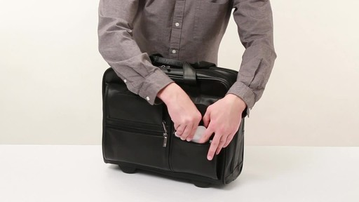 SOLO Nappa Leather Rolling case - image 6 from the video