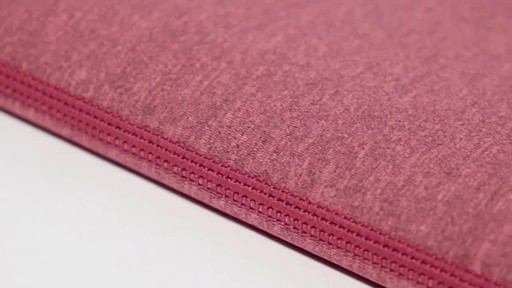 Tucano Melange Laptop Sleeves - image 2 from the video