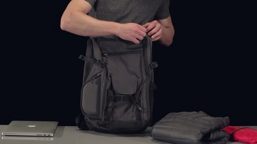 Thule Subterra Daypack - image 1 from the video