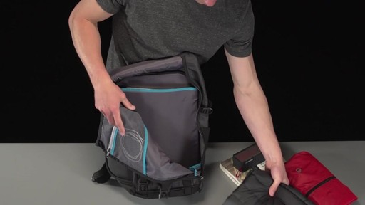 Thule Subterra Daypack - image 2 from the video