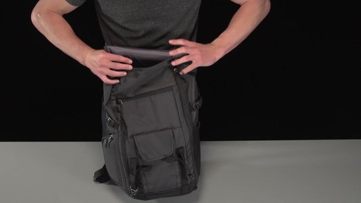 Thule Subterra Daypack - image 3 from the video