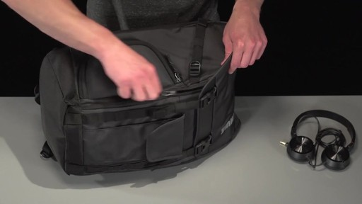 Thule Subterra Daypack - image 5 from the video