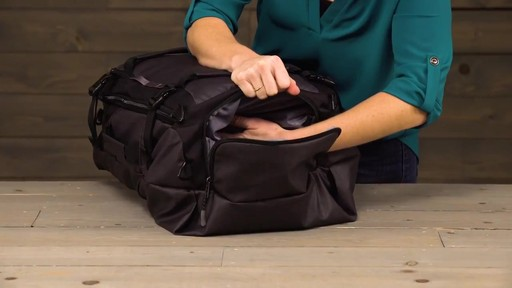 Eagle Creek Gear Hauler Duffel - image 10 from the video