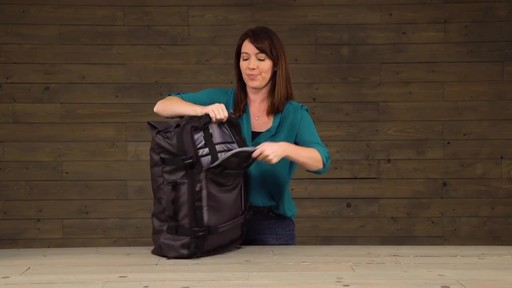 Eagle Creek Gear Hauler Duffel - image 6 from the video