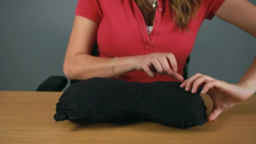 Travelon Self Inflating Neck and Back Pillow Rundown - image 5 from the video