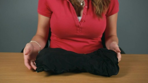 Travelon Self Inflating Neck and Back Pillow Rundown - image 8 from the video