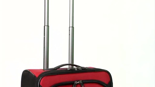 Victorinox WT 4.0 Dual-Casters - Lightweight - image 3 from the video