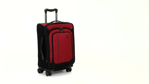 Victorinox WT 4.0 Dual-Casters - Lightweight - image 5 from the video