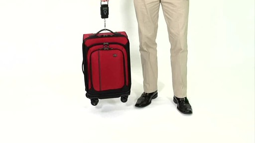 Victorinox WT 4.0 Dual-Casters - Lightweight - image 7 from the video