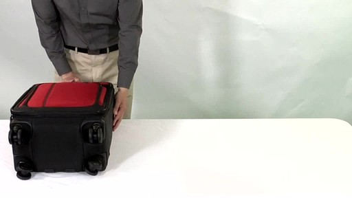 Victorinox WT 4.0 Dual-Casters Suiter - image 1 from the video
