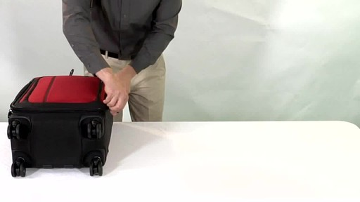 Victorinox WT 4.0 Dual-Casters Suiter - image 10 from the video