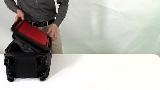 Victorinox WT 4.0 Dual-Casters Suiter - image 2 from the video
