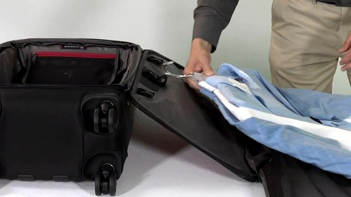 Victorinox WT 4.0 Dual-Casters Suiter - image 5 from the video