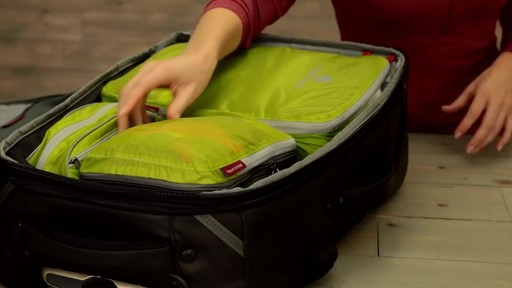 Eagle Creek Pack-It Original 2-Piece Compression Cube Set - image 10 from the video