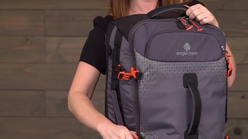 Eagle Creek Expanse Hauler Duffel - image 7 from the video