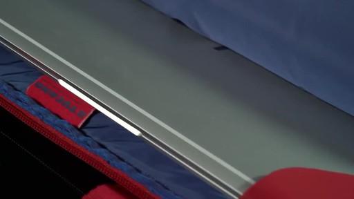 Tucano Smilza Super Slim Laptop Cases - image 7 from the video