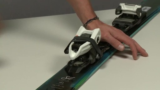 Sportube Series 1 Ski Case Instructional Video - eBags.com - image 2 from the video