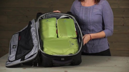 Eagle Creek Pack-It Specter 2-Piece Compression Cube Set - image 9 from the video