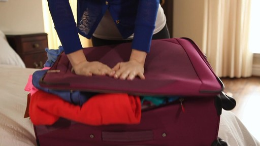 Travelon Space Mates Compression Bags - image 7 from the video
