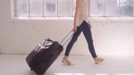 Vera Bradley Large Foldable Roller Luggage - image 8 from the video