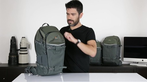 Lowepro Flipside 500 AW - image 4 from the video