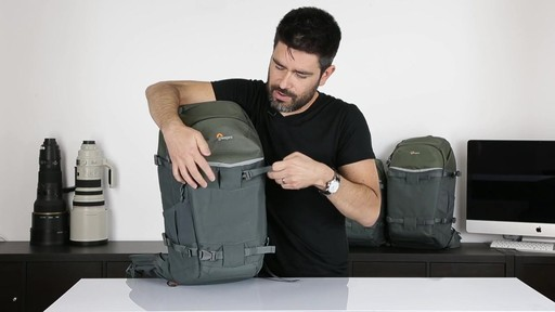 Lowepro Flipside 500 AW - image 8 from the video