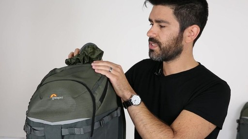 Lowepro Flipside 500 AW - image 9 from the video