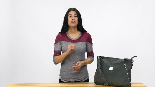 Suvelle Everyday Travel Tote - image 10 from the video