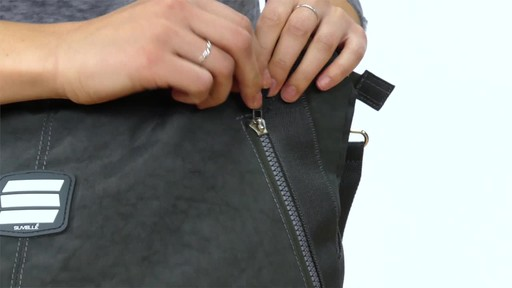 Suvelle Everyday Travel Tote - image 5 from the video