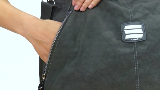 Suvelle Everyday Travel Tote - image 6 from the video