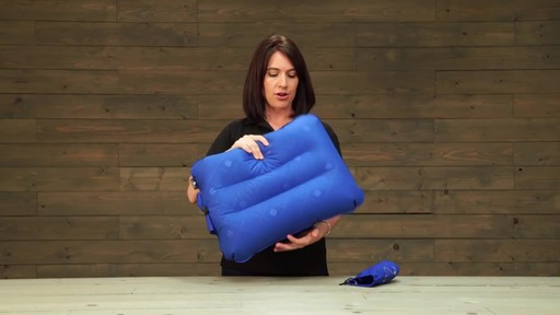 Eagle Creek Fast Inflate Pillows - image 8 from the video