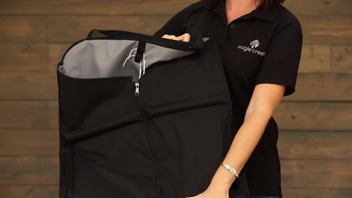 Eagle Creek Pack-It Garment Sleeve - image 3 from the video