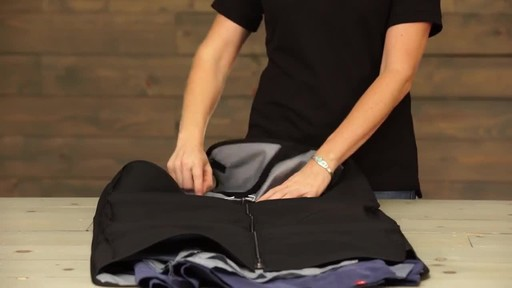 Eagle Creek Pack-It Garment Sleeve - image 4 from the video