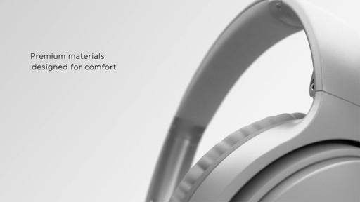 Bose QuietComfort® 35 Wireless Headphones II - image 6 from the video