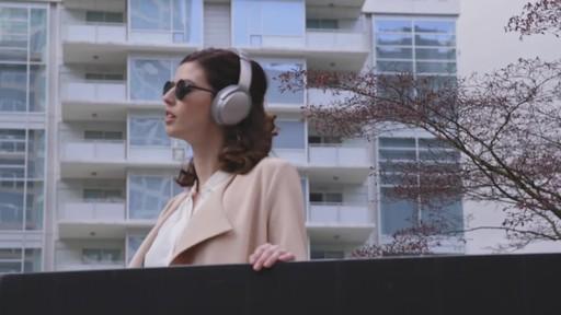 Bose QuietComfort® 35 Wireless Headphones II - image 8 from the video