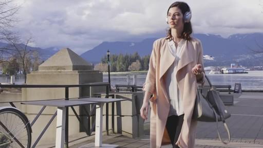 Bose QuietComfort® 35 Wireless Headphones II - image 9 from the video